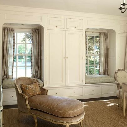 Traditional Home Built In Linen Closet Design, Pictures, Remodel, Decor and Ideas - page 10