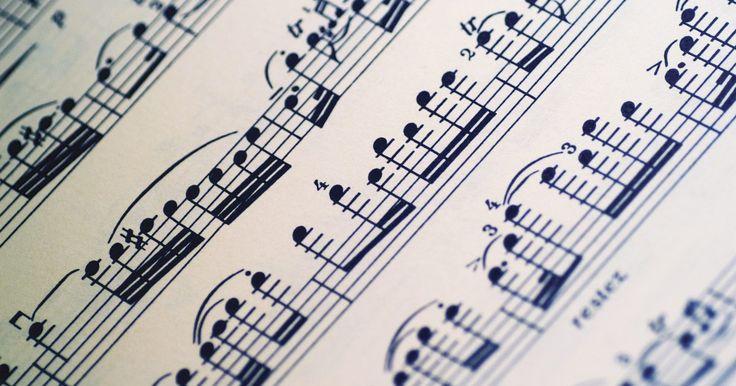 Dicas para compor uma sinfonia. Desde o final de 1700, a sinfonia tem sido a grande peça orquestral por excelência, desenvolvendo em forma e instrumentação e mudando a forma da orquestra para se adequar à arte. Compositores orquestrais modernos ainda criam sinfonias e os desafios de escrever uma permanecem semelhantes ao que sempre foram. No entanto, o sinfonista contemporâneo ...