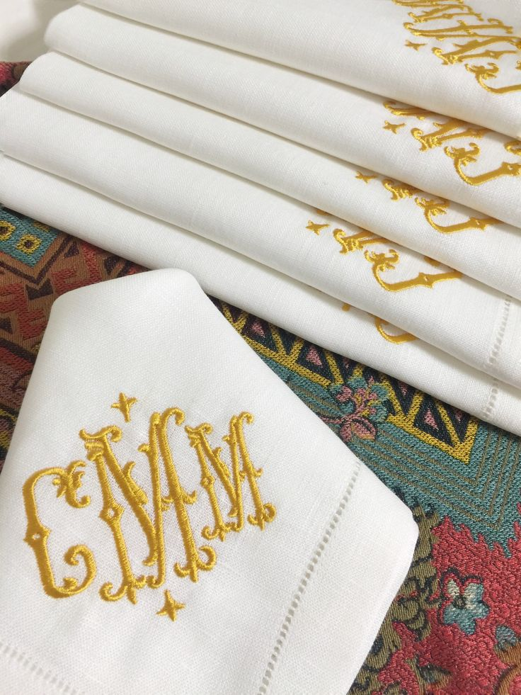 Isabella Signature Monogrammed Linen Napkins. Www.bellalino.com