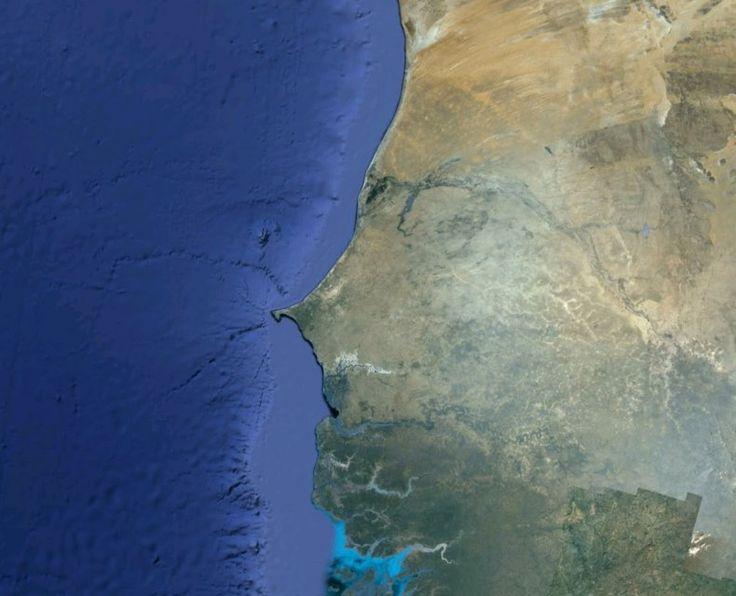 Qui es-tu ? Visage à deviner sur la côte africaine.