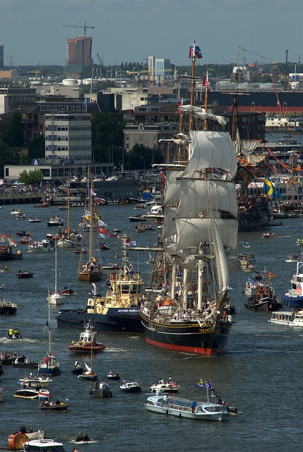 Length: 76.00 m  Beam: 10.5 m  Mast height: 46.25 m  Draught: 4.20 m  Hull: Steel  Sail area: 2,200 m2  Year of construction: 2000  Homeport: Amsterdam  Flag: Netherlands     Holidays to Amsterdam  Holidays to London  Holidays to Paris