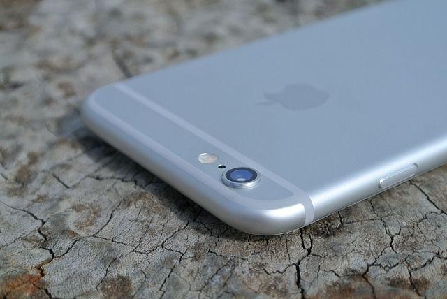 4 Cara Merawat Kamera Smartphone Android dan iPhone (iOS)