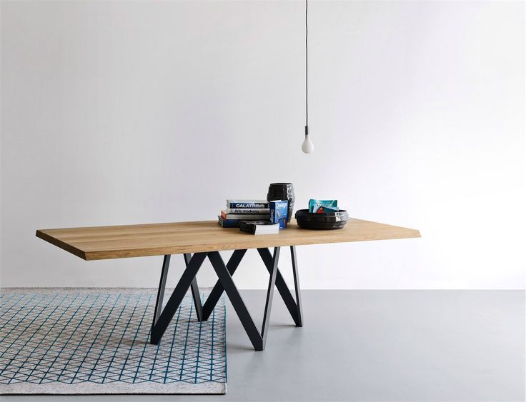 CALLIGARIS   The sophisticated Cartesio dining table has been designed to make a…