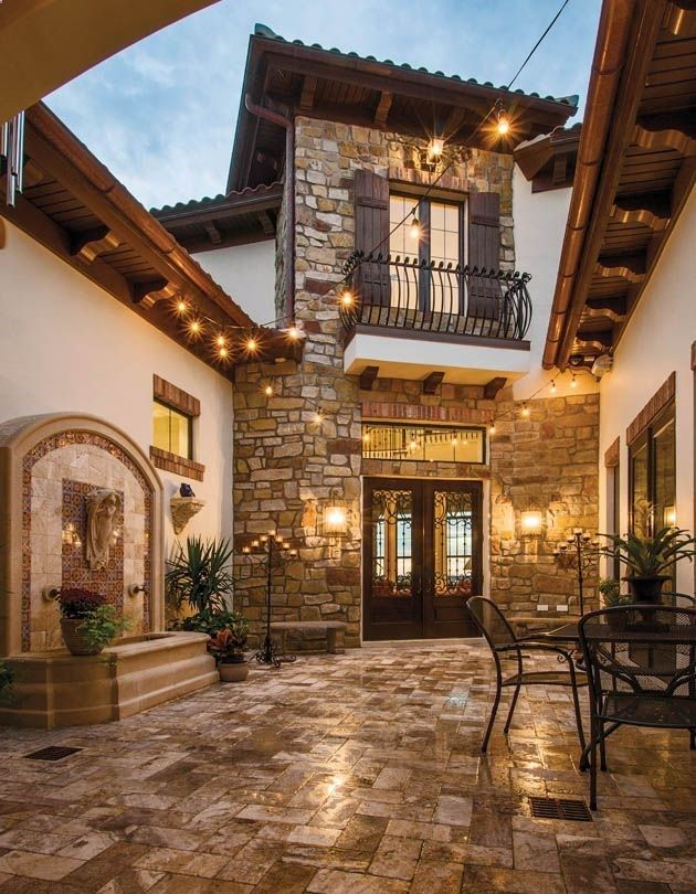 1000 ideas about courtyard entry on pinterest tuscan for Homes with enclosed courtyards