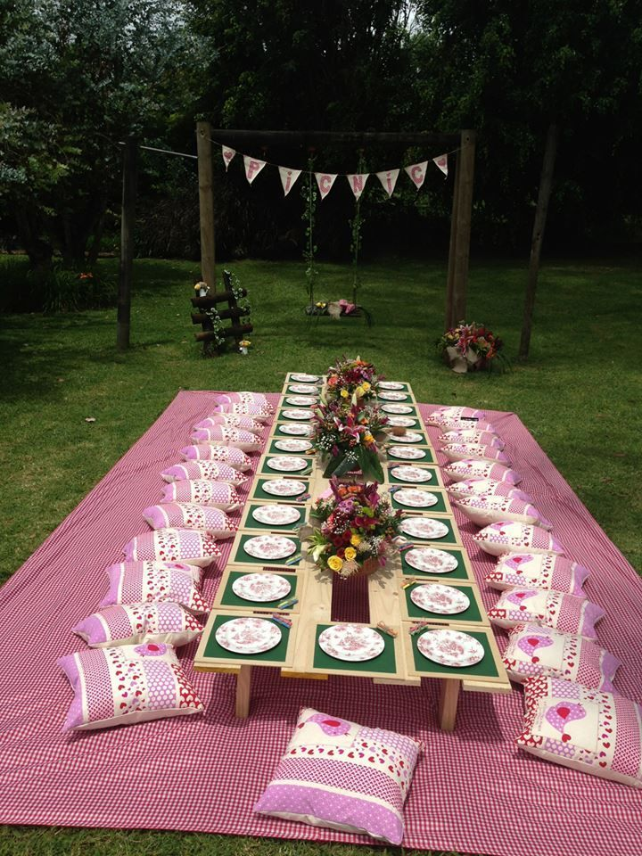 Catering eventos in 2020 picnic decorations garden