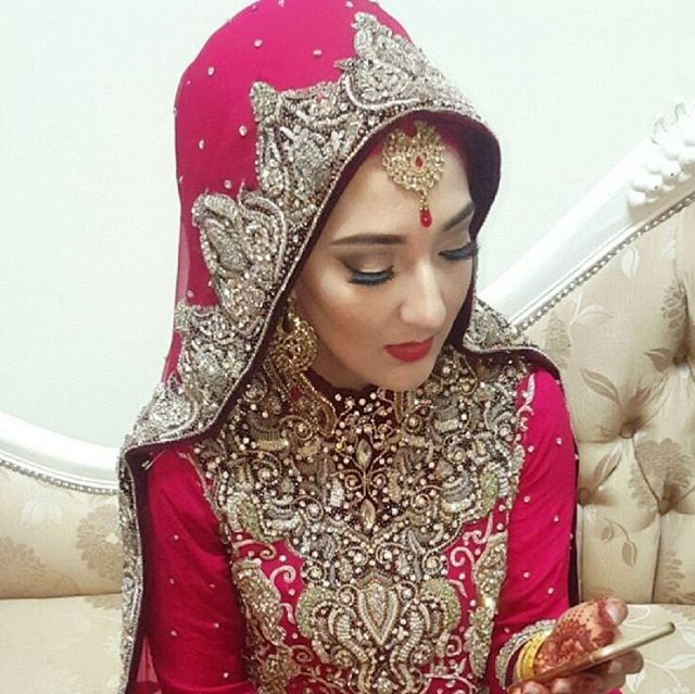 First bride of 2016!! Went for a very simply and elegant look... professional photos to follow soon!! ❤ #hijabibride #manchestermua #wedding #makeup #bride #bridalmakeup #asianbridal