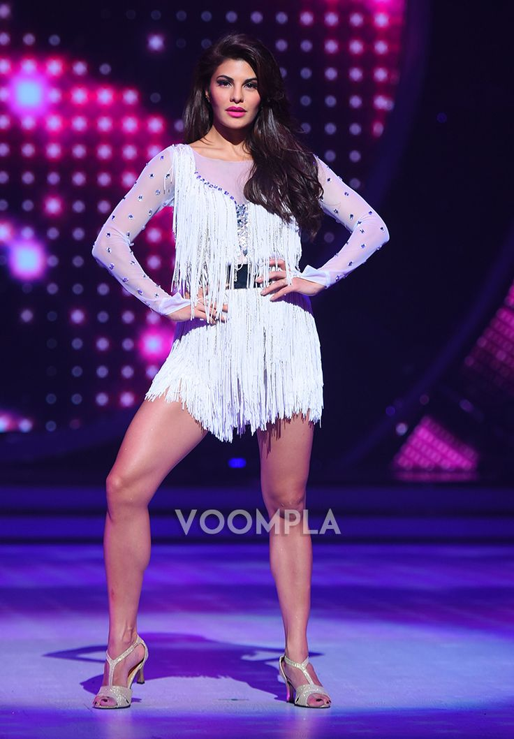 The sizzling Jacqueline Fernandez shows off her toned legs in a short dress on the sets of Jhalak! via Voompla.com