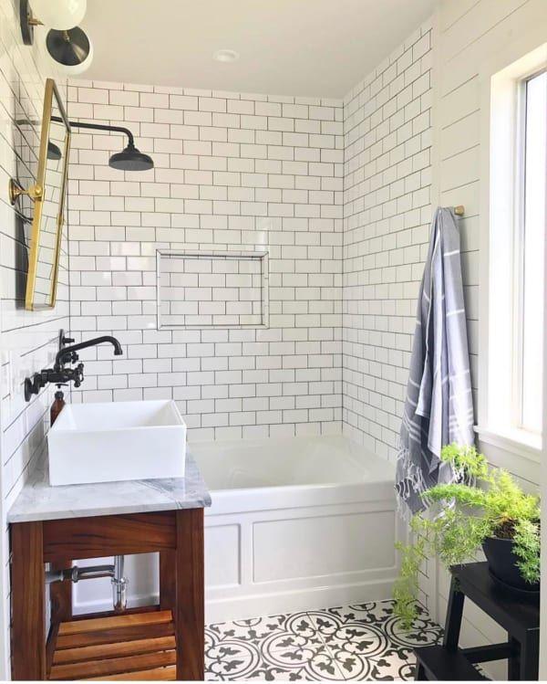 海外ホワイトインテリア お部屋別に オンリーワンな空間づくり実例集 バスルームのインテリアデザイン 浴室リフォーム バスルーム おしゃれ