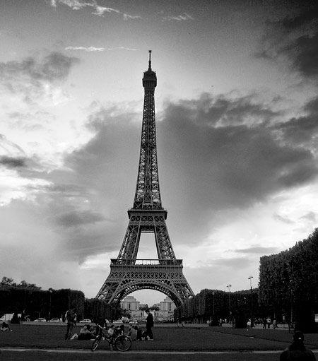 17 best tour eiffel noir et blanc images on pinterest   tour