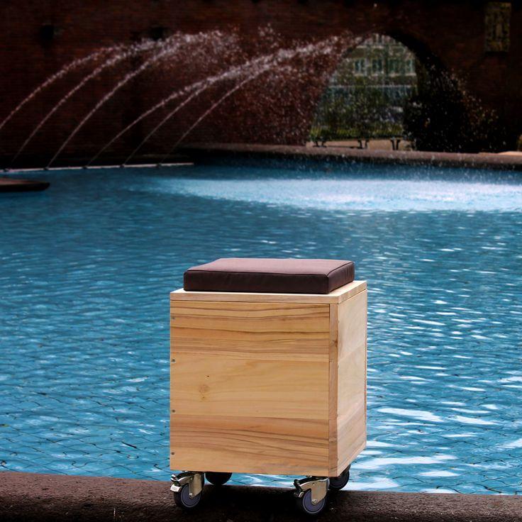 De Kubit is op een #duurzame manier vervaardigd; zo wordt het meubel gemaakt van#Amsterdam's '#stadshout'.
