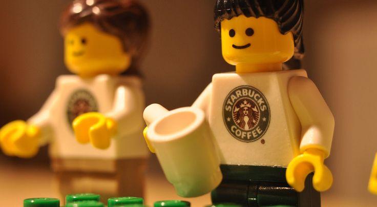 Finché si compete sullo stesso terreno (apro un locale e vendo caffè) è un conto, ma quando il modello di business cambia totalmente?