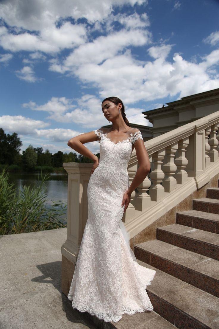 Suknia ślubna Elena - suknia w formie rybki, z wysokiej klasy koronki francuskiej, dostępna w Galerii Ślubu Kamea