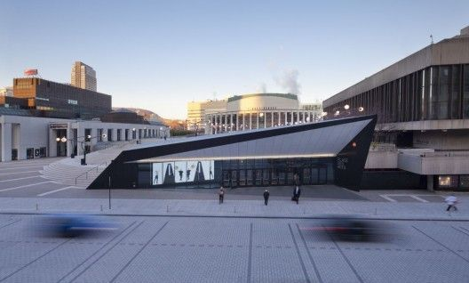 Georges-Emile-Lapalme Kulturzentrum / MSDL Architekten