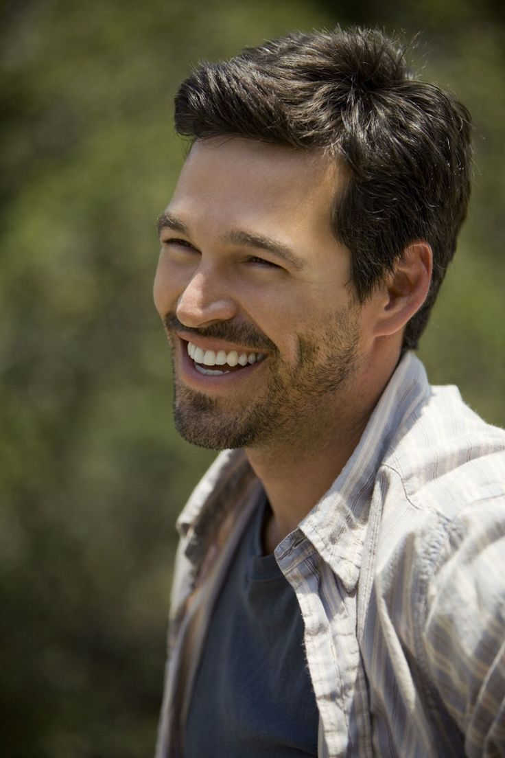 Eddie Cibrian, love that smile and that dimple