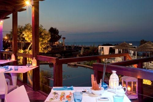 Capo Bay Hotel Koi Bar 10