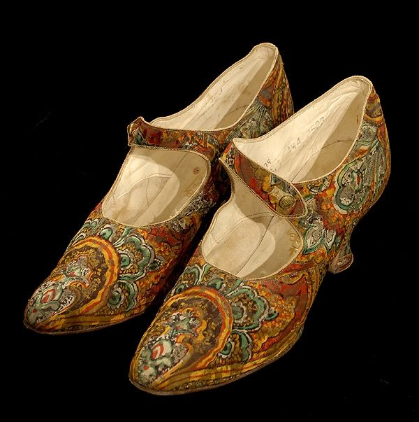 Artist / Maker: J. Finley  Place: Manchester  Object Type: shoe  Period: George V  Actual Date: c.1925