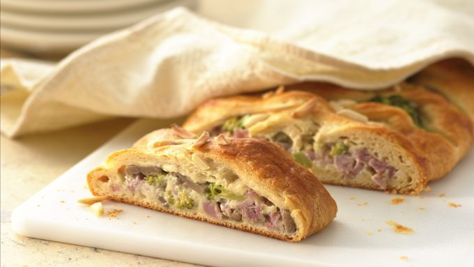 This braided bread is packed with sandwich goodies, including ham, Swiss cheese, broccoli and mushrooms.
