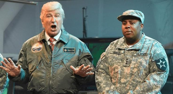 'SNL' Imagines An 'Independence Day'-Style Alien Invasion Under Alec Baldwin's Trump