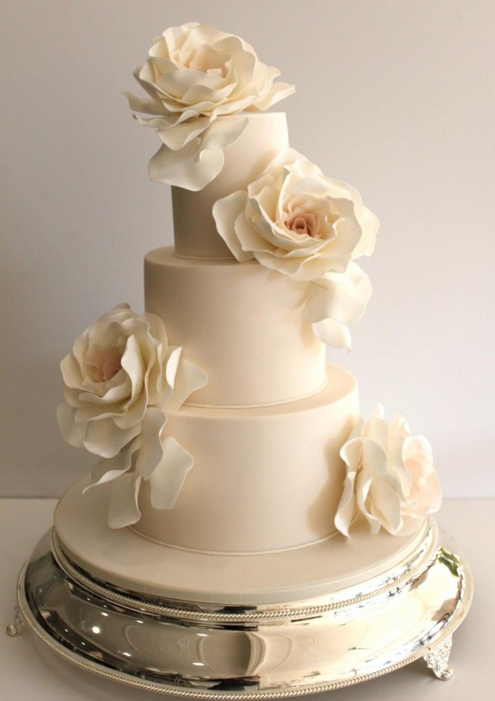 Featured cake: Faye Cahill Cake; To see more beautifully designed wedding cakes: http://www. .com/2014/11/11/prettiness-exquisite-wedding-cakes-faye-cahill-cake/  #wedding #weddings #wedding_cake cake: Faye Cahill Cake