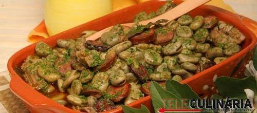 Receita de Favas guisadas à portuguesa. Descubra como cozinhar Favas guisadas à portuguesa de maneira prática e deliciosa com a Teleculinária!