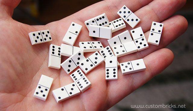 """""""Double 6"""" Micro Dominoes"""