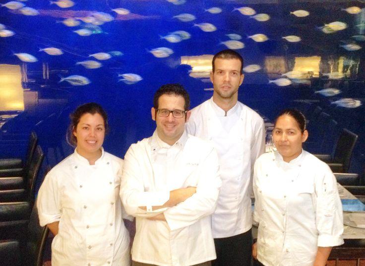#Foto de #equipo del #Restaurante Submarino. #Oceanografic #Valencia  www.restaurantesubmarino.es