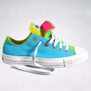 Customizable Neon Converse. Flat-soled sneaks for weight lifting days!    Love them!