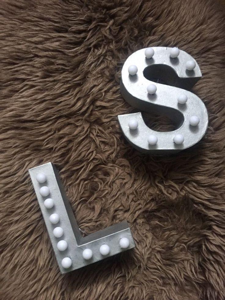 die besten 25 lichtbuchstaben ideen auf pinterest buchstaben mit lichtern festzelt. Black Bedroom Furniture Sets. Home Design Ideas