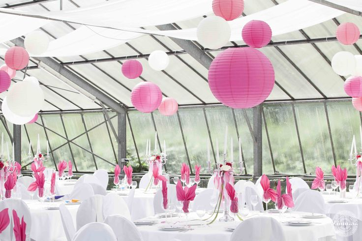 Hochzeit im Gewächshaus  Wedding decoration in greenhouse #hochzeit #heiraten #hochzeitsdeko #dekohochzeit #hochzeitsdekoration #decoration #wedding #weddingdecoration #gewächshaus #greenhouse