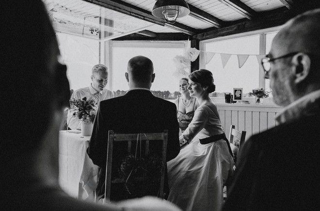 noni- Hochzeitsreportage von Hafenliebe Hochzeitsfotografie in der Strandperle in Hamburg (www.noni-mode.de - Foto: Hafenliebe Hochzeitsfotografie)
