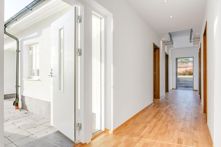 Öppningar från flera håll gör att du enkelt kan vädra igenom huset