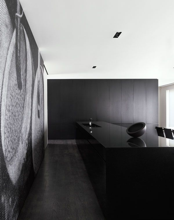 Black kitchen - sunrise residence by Jolson in prahan, Melbourne Australia