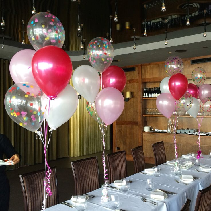 Mixing up plain Metallic balloons with confetti