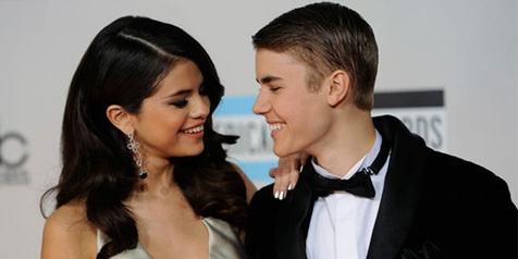 Justin Bieber and Selena Gomez Caught Kissing?