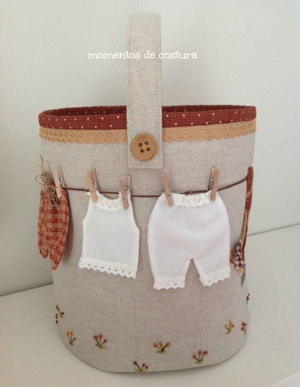 """Cuando vi esta bolsa para guardar las pinzas de la ropa, (un diseño de """"L'agulla labors""""), me pareció de lo más graciosa por lo que compré..."""