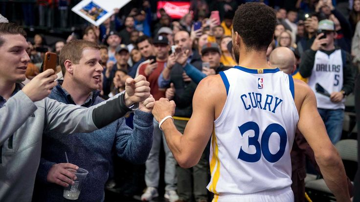 #StephenCurry drains three-pointer in three seconds to give Warriors 125-122 win over Mavs - Dallas TEXAS; January 3rd -#KevinDurant and #KlayThompson added 25 points apiece, while #DraymondGreen notched double-double with 18 points, 10 rebounds. Warriors improve to 30-8 on season. PHOTO CREDIT : USA Today, Mercury News, SFGate