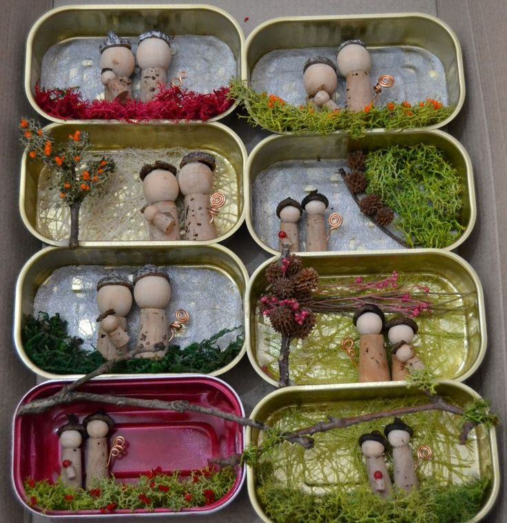 Altoid tin repurpose; little wooden people we found in tin over kitchen sink. Which tin??