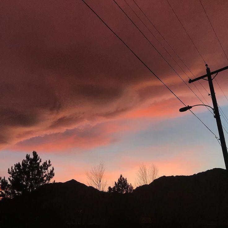 Pink sky at night... . . . . . #pinksky #sunset #sunsets #bearpeak #bouldercolorado