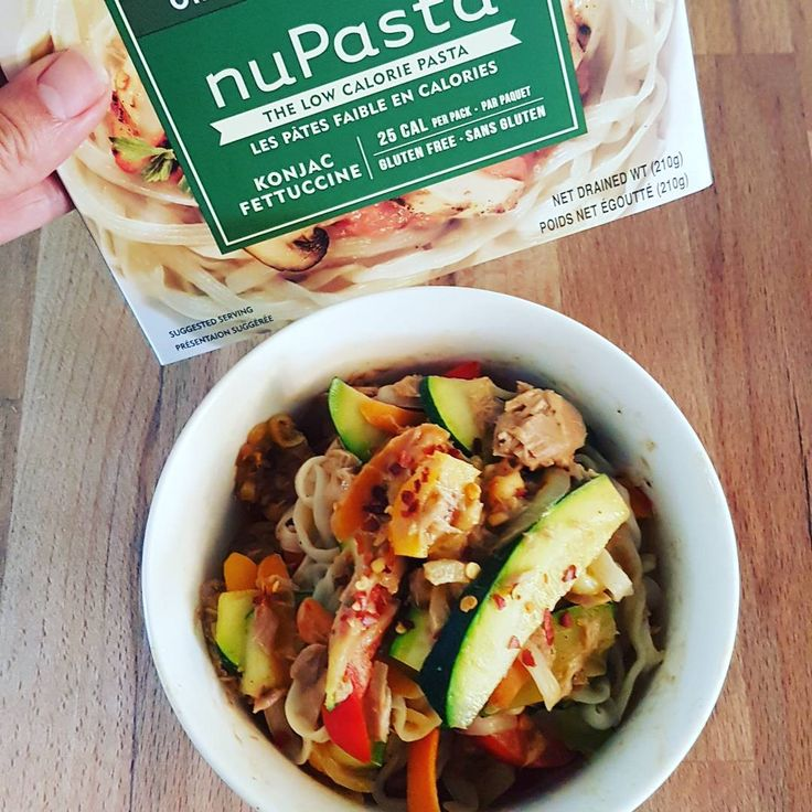 I can't get enough of this pasta!!! Thanks @gilbertp23 for introducing me....you are right...its totally addictive!I stir fried peppers, onion, carrots and zucchini. Mixed all natural peanut butter with tamari, a splash of water and red pepper flakes and added it to the veggies. Then I added the @nupasta noodles and a can of water packed tuna for extra protein and stirred until heated!#nupasta #organic #pasta #stirfry #yumm #protein #wellness #health #holistichealth #healthcoach #eatclean…