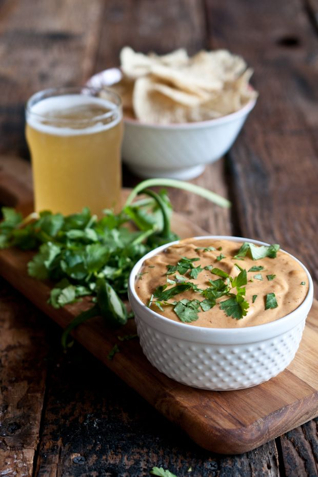 Slow Cooker Jalapeno Beer Cheese Dip. 5 minutes of prep!