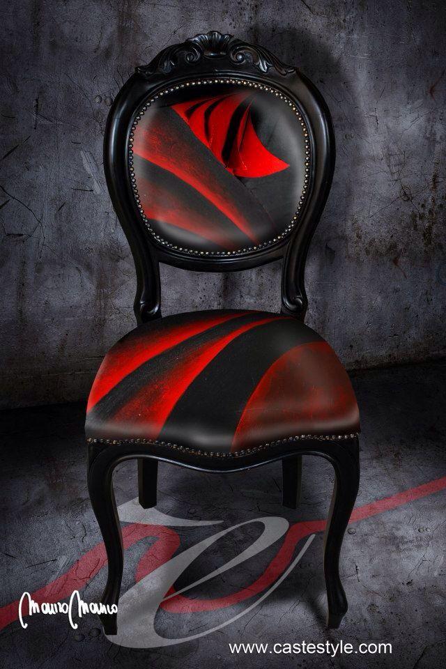 Un'altra creazione di Mauro Manco per CASTèSTYLE , una sedia vintage diventa un pezzo da collezione grazie alla creatività degli artisti CASTèSTYLE. Contattaci per avere un arredamento unico e molto trendy , un arredo CASTèSTYLE fa la differenza