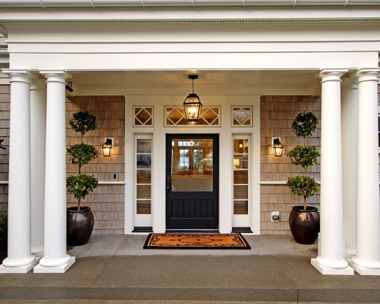 Cape cod design pictures remodel decor and ideas page for Traditional front doors
