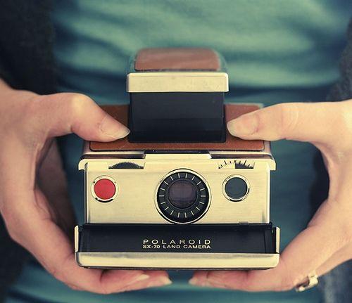Vintage camera: Old Camera, Vintage Camera, Vintage Photos, Inspiration Pictures, Yard Sales Finding, Vintage Polaroid Camera,  Polaroid Land Camera, Photos A Day, Photography Equipment