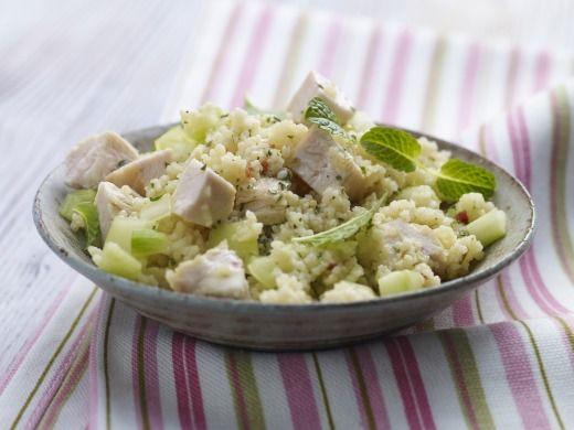 Kuskus salát s kuřecím masem a okurkou - Recepty na každý den