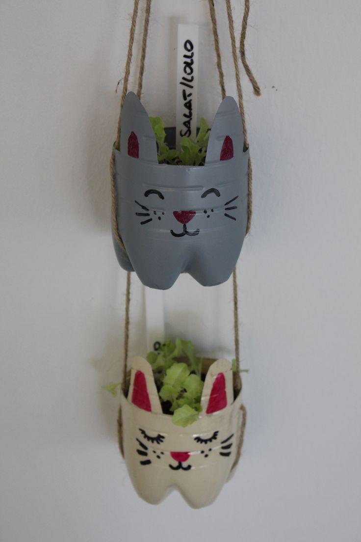 Kreative Blumentöpfe für die Wand: einfach aus alten Flaschen gestaltet... #Upcycling