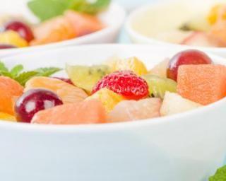 Salade de fruits ultralight à la grenadine : http://www.fourchette-et-bikini.fr/recettes/recettes-minceur/salade-de-fruits-ultralight-la-grenadine.html