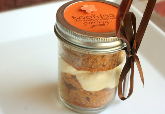 Pumpkin cake in a jar as thanksgiving place setting and take-home gift ...