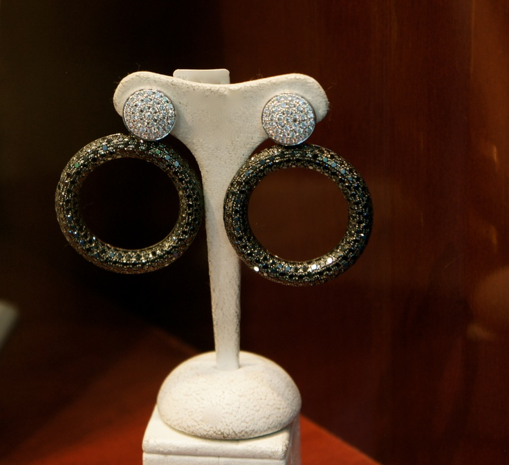 LOVE, Xanthopoulos Jewelry in Athens, Greece
