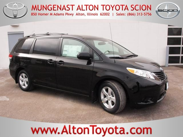 2014 Toyota Sienna LE for sale in Alton IL | #2014 #Toyota #Sienna #Alton #SaintLouis #Mungenast