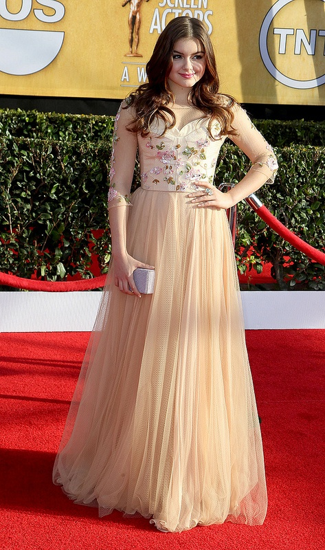 Modern Family starlet Ariel Winter wears the SS Iliana Gown to the SAG Awards.